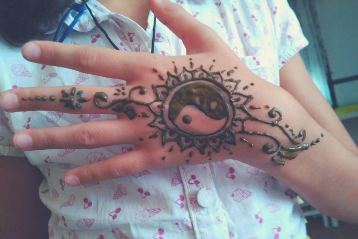 Tatuajes De Henna Para Una Tarde Divertida Herbolario Online Mejorana